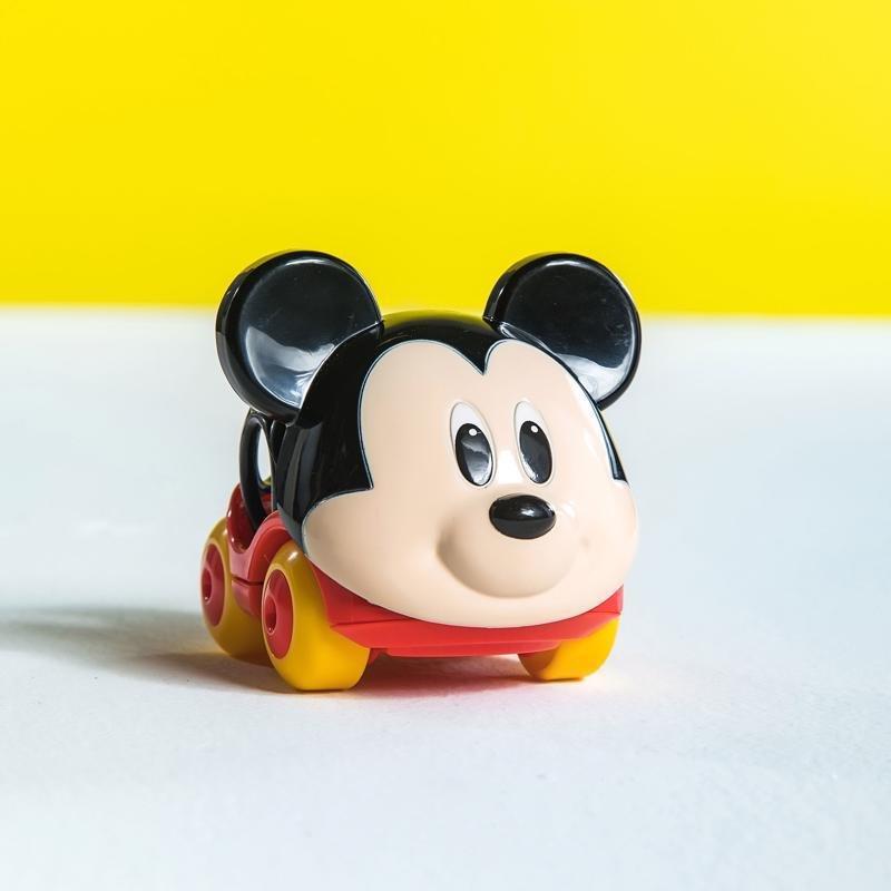 DISNEY BABY Autíčko Mickey Go Grippers™ 6m+ - DISNEY BABY Autíčko Mickey Go Grippers™ 6m+ 1×1 ks