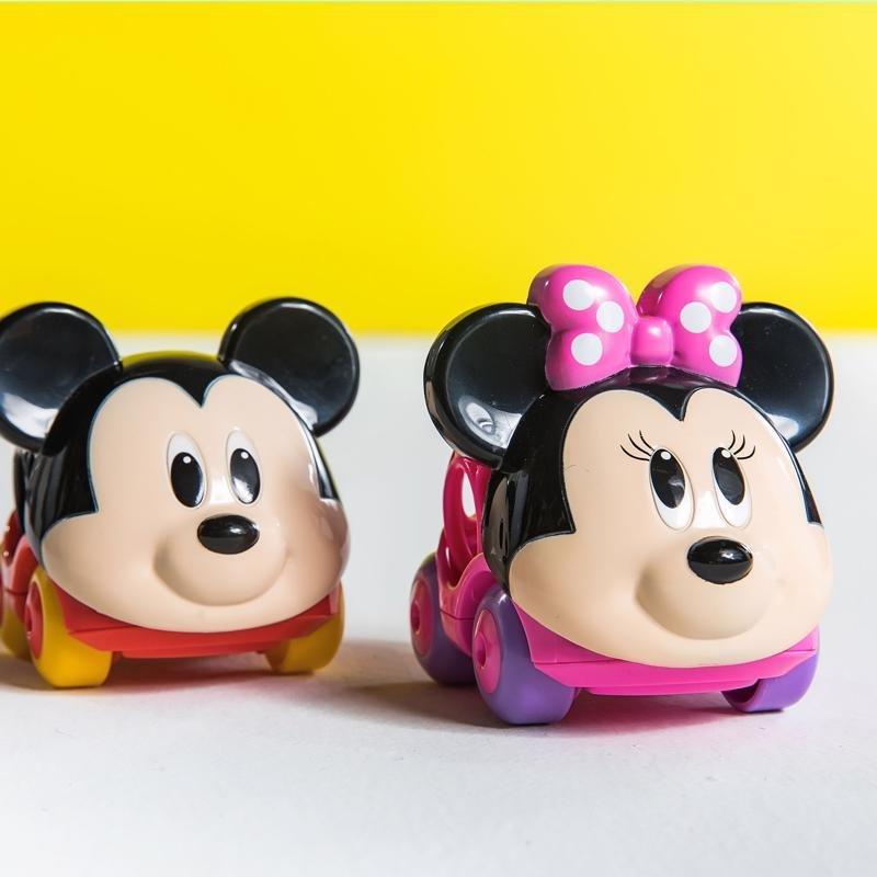 DISNEY BABY Autíčko Minnie Go Grippers™ 6m+ - DISNEY BABY Autíčko Minnie Go Grippers™ 6m+ 1×1 ks