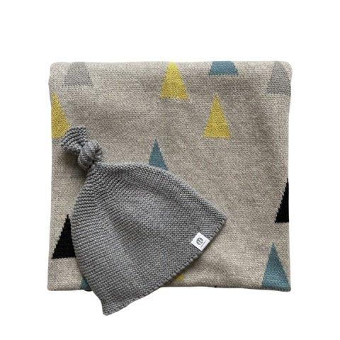 PETITE&MARS Deka Harmony Happy Triangles 80 x 100 cm + Čiapka Huggy Grey