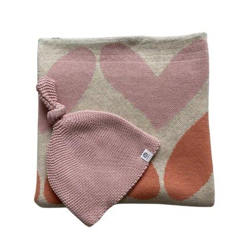 PETITE&MARS Deka Harmony Pure Hearts 80 x 100 cm + Čiapka Huggy Pink